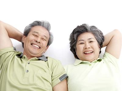 武汉治疗白癜风哪家最好?武汉什么原因导致老年人患上白癜风呢?
